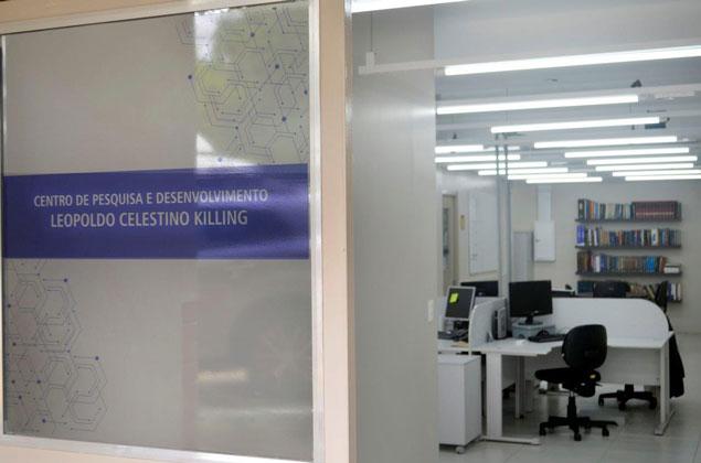 Killing tintas e adesivos moderniza seu laboratório